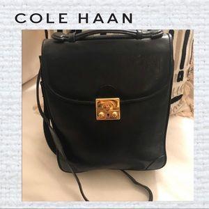 Cole Haan Black Leather Messenger BAGEUC